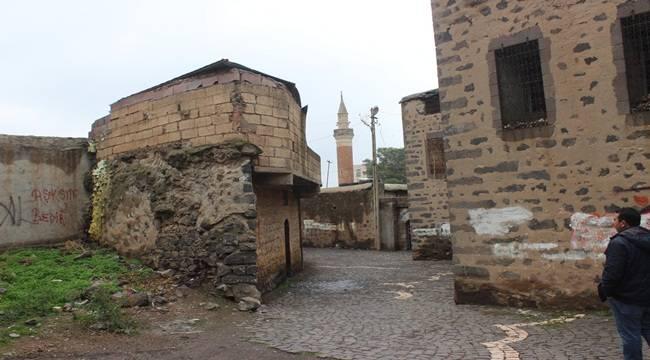 Osmanlı Döneminden Kalma Evler Yıkılıyor