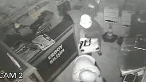 Polisler Hırsızları Kıskıvrak Yakaladı