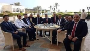 Sade, Kuveyt'ten Elimiz Dolu Döndük
