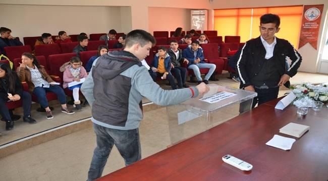 Şanlıurfa Öğrenci Meclis Başkanlığı Seçimi Yapıldı