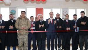 Hilvan ve Akziyaret'te Okullar Hizmete Açıldı