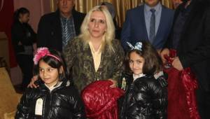 Kilis'te Yetim Çocuklara Giysi Yardımı
