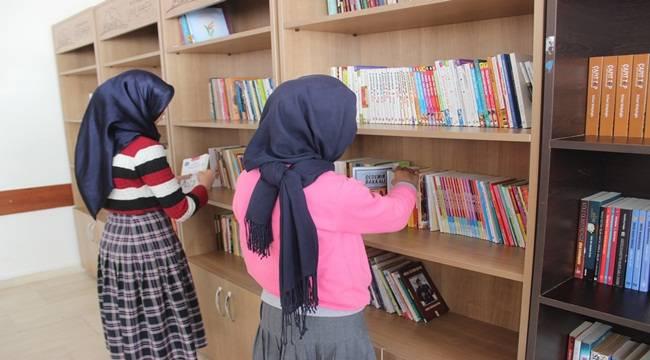 Mehmet Akif Ersoy İmam Hatip Ortaokuluna Okuma Salonu Açıldı