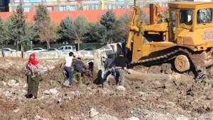 Millet Parkı İçin Yıkılan Şehir Stadı Hurdacıların Umudu Oldu
