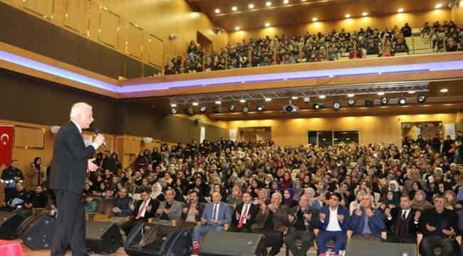 Nihat Hatipoğlu Ücretsiz Gönüllere Dokundu