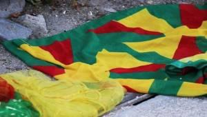 PKK'yı Simgeleyen Bez Parçalarına 4 Gözaltı