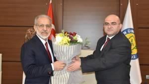 Rektör Mehmet Sabri Çelik Görevi Devraldı