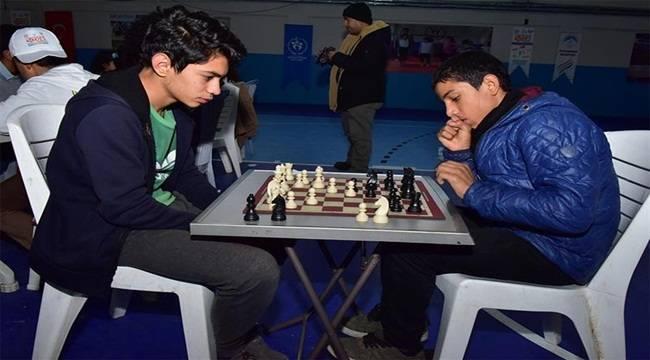 Satranç Turnuvası Ceylanpınar'da Yapıldı