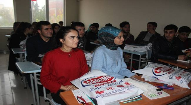 Siverekli Öğrencilere 7 bin adet kaynak kitap dağıtıldı