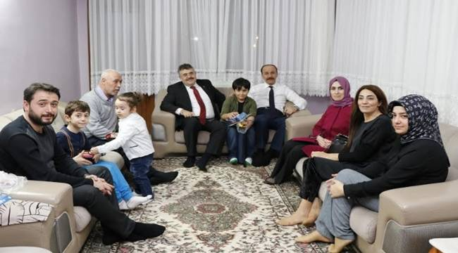 Vali ve Emniyet Müdüründen Şehit Ailesine Ziyaret
