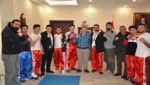 Başarı Elde Eden Kick Boks Sporculardan Dereci'ye Ziyaret