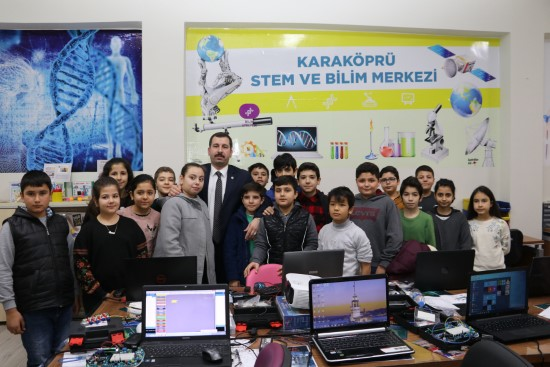 Baydilli STEM merkezini ziyaret etti