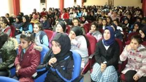 Büyükşehir'den Öğrenciler Sinema Gösterimi