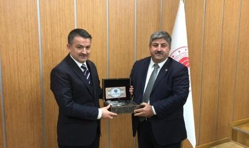 Eyyüpoğlu, çiftçilerin sorunlarını iletti