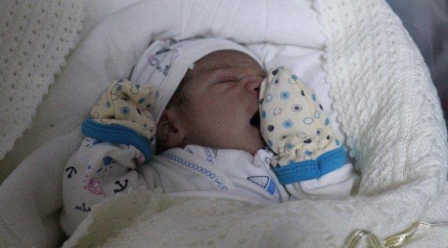 Gaziantep'te Yeni Yılın İlk Bebeğine Valinin İsmi Verildi
