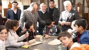 Şanlıurfa Büyükşehir Çocuklara Sanatı Aşılıyor