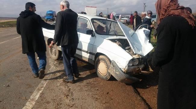 Suruç'ta İki Otomobil Çarpıştı 8 Yaralı