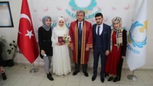 Haliliye'de Sevgililer Günü'nde 49 çiftin nikahı kıyıldı