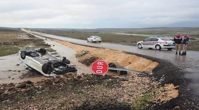 Otomobil Şarampole Uçtu Aynı Aileden 7 Kişi Yaralandı