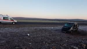 Siverek'te Araç Şarampole Devrildi 1 Ölü