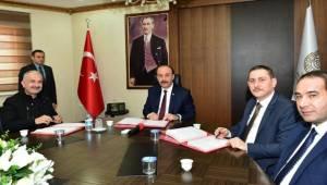 Viranşehir Osb'de İlk Tekstil Atölyesi İçin İmzalar Atıldı