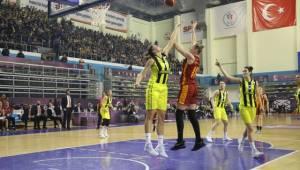 Yarı Finale Yükselen Son Takım Fenerbahçe Oldu