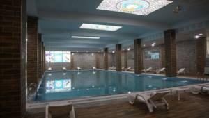 Aliya İzzetbegoviç kapalı yüzme havuzu hizmete girdi
