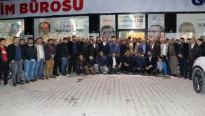 Baydilli'nin Seçim Bürosu Dolup Taşıyor