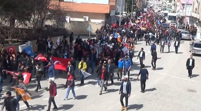 Ceylanpınar'da Gençlerden Dev Yürüyüş