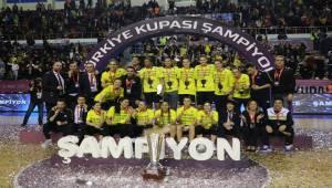 Fenerbahçe Kupasını Şanlıurfa'da Törenle Aldı