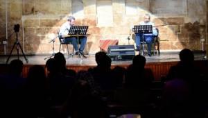 İki Mızrap Bir Ses Konseri Büyüledi