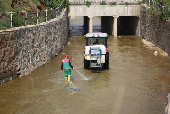 Karaköprü Belediyesi'nden kapsamlı ilaçlama
