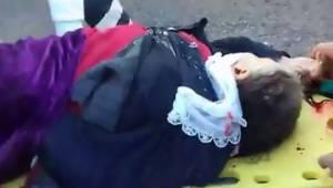 Minibüsün altında kalan yaşlı kadın hayatını kaybetti