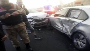 Nisibbi Köprüsü Girişinde Kaza 5 Yaralı