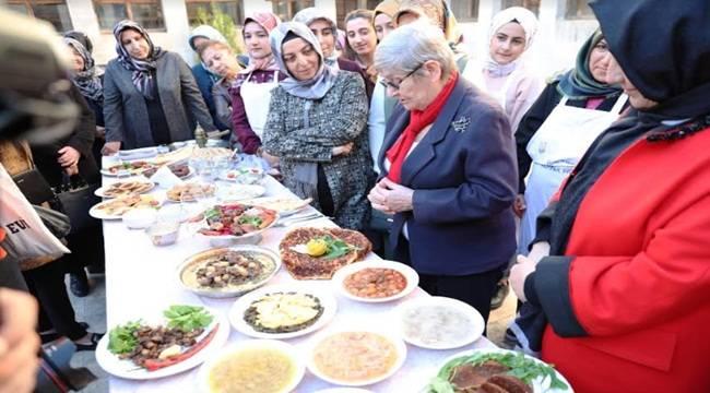 Urfa'da Karatay'dan Çiğ Köfte ve Lahmacun Açıklaması