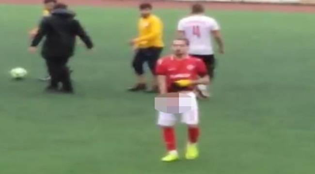 Urfa'da Oyuncu Taraftara Cinsel Organını Gösterdi