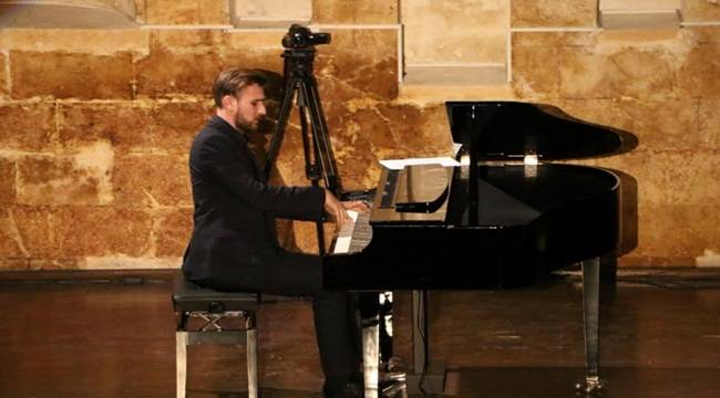Urfa Divanı İlk Kez Piyanoyla İcra Edildi