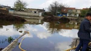 Bozova'da Birçok ev sel sularına teslim oldu