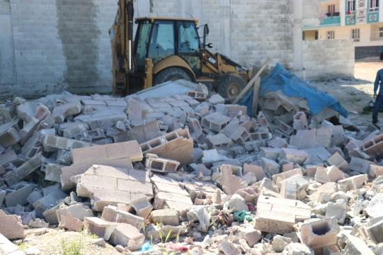 Eyyübiye'de metruk binalar yıkıldı