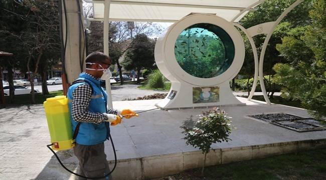 Haliliye'de Yaprak Biti İle Mücadele Ediliyor