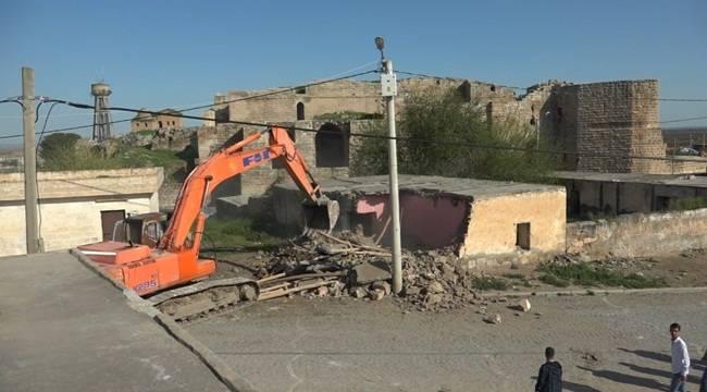 Harran'daki Beton Yapılar Yıkıldı