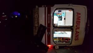 Hasta taşıyan ambulans kaza yaptı: 8 yaralı