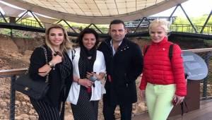 Sanatçılar Şanlıurfa'nın Tarihi ve Turistik Yerlerini Gezdi