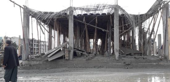 Şanlıurfa'da beton dökülen inşaat çöktü