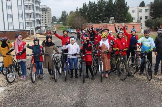 Türk ve Suriyeli çocuklar bisiklet turunda buluşuyor