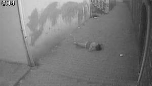 3. kattan düşen kızın düşme anı kameraya yansıdı