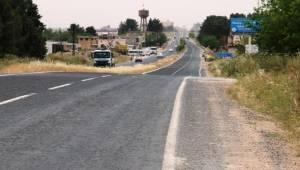 Akçakale- Şanlıurfa yolu Sıcak Asfalta Kavuşturuluyor