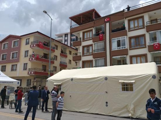 Halfeti şehidinin Ankara'da bulunan evine ateş düştü