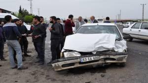 Siverek'te Araçlar Çarpıştı 4 Yaralı