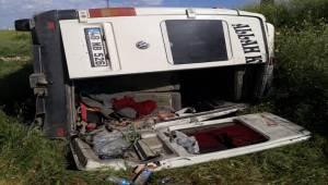 Suruç'da Minibüs Devrildi 1 Yaralı